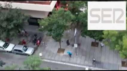 Ξύλο μεταξύ οπαδών στους δρόμους της Βαρκελώνης! (ΒΙΝΤΕΟ)