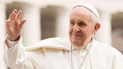 «Ευλογία και δώρο Θεού το σεξ», λέει ο Πάπας!