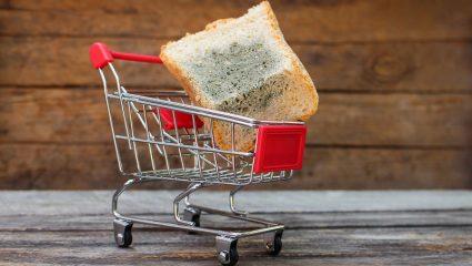 Να φάω το ψωμί που έχει αρχίσει να μουχλιάζει;