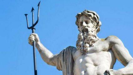 O ιδιαίτερος συμβολισμός της τρίαινας του Ποσειδώνα
