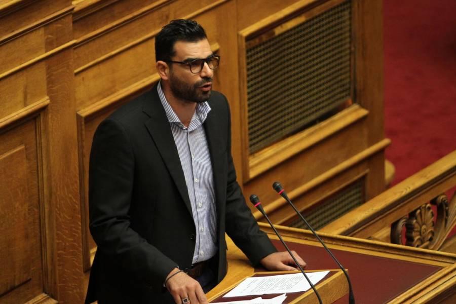 Επίθεση από 30 άτομα καταγγέλει ο Πέτρος Κωνσταντινέας