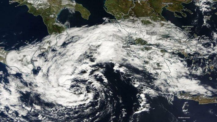 Προσοχή! Οι μετεωρολόγοι προειδοποιούν για τον Μεσογειακό κυκλώνα που θα σαρώσει την Ελλάδα