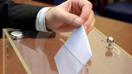 Εκλογές τον Απρίλιο εξετάζει η κυβέρνηση