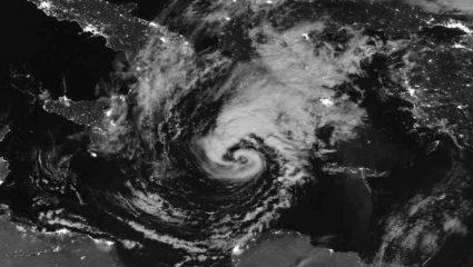 Μεσογειακός κυκλώνας: Έτσι θα κινηθεί η κακοκαιρία τις επόμενες ώρες
