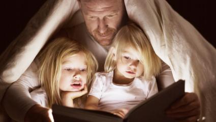 Οι 3 βασικές διαφορές που χωρίζουν έναν «μπαμπά», από έναν «πατέρα»