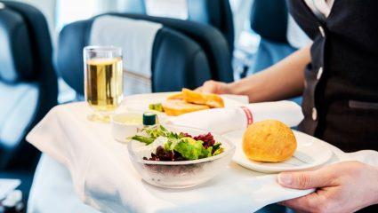 Γιατί ο κυβερνήτης του αεροπλάνου δεν τρώει το ίδιο φαγητό με τον συγκυβερνήτη;