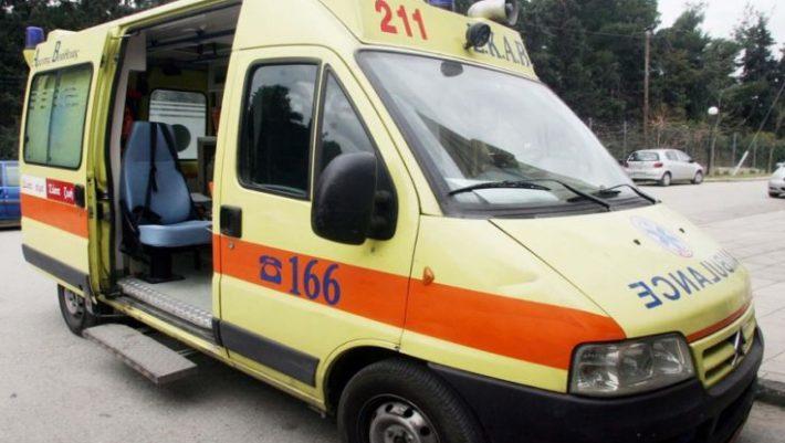 Φριχτό ατύχημα στο Αγρίνιο: ακρωτηριάστηκε ενώ έκοβε ξύλα με αλυσοπρίονο