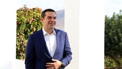 Το… τερμάτισαν με τα φίλτρα! Τσίπρας και βουλευτής του ΣΥΡΙΖΑ αγνώριστοι σε selfie!