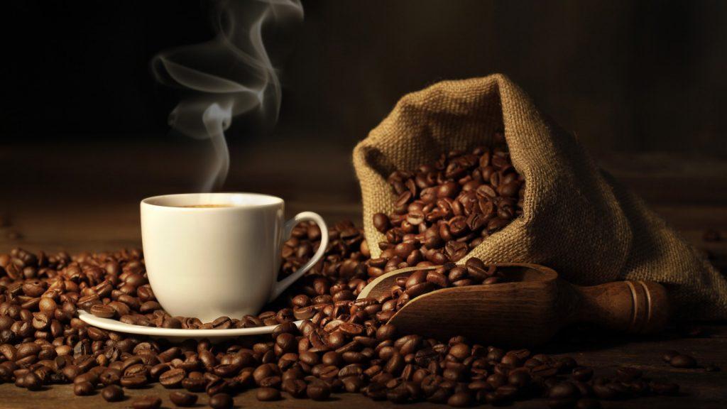 Προσοχή! Πόσες θερμίδες έχει ο καφές που πίνετε;