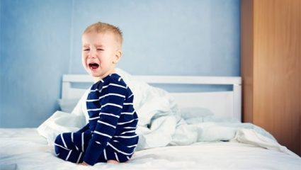 Το παιδί μου ξυπνάει και βάζει τις φωνές μέσα στη νύχτα! Τι μπορώ να κάνω;