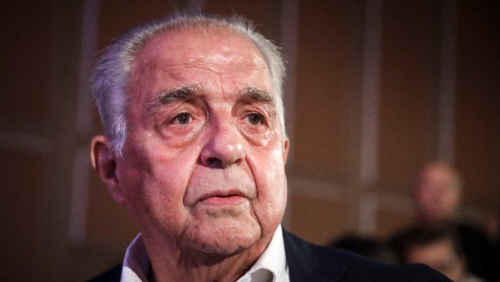 Με... Καβάφη σχολίασε την παραίτηση Κοτζιά ο Φλαμπουράρης