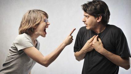 Ανατροπή: Τρεις στους δέκα Έλληνες τρώνε ξύλο από τη γυναίκα τους!