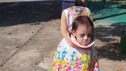 Η ανατριχιαστική στολή ενός δίχρονου κοριτσιού για το Halloween προκάλεσε χαμό (ΒΙΝΤΕΟ)