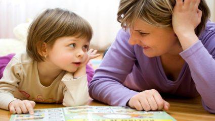 «Μαμά, τι είναι Θεός;»: Πώς να απαντάτε στα δύσκολα ερωτήματα του παιδιού