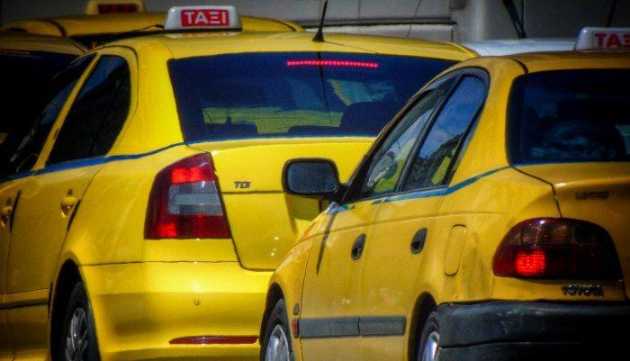 Χειρόφρενο τα ταξί σε όλη τη χώρα