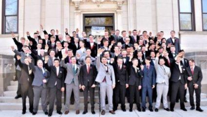 Ναζιστικός χαιρετισμός σε χορό αποφοίτων! – ΦΩΤΟ