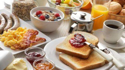 Ποιες τροφές να αποφεύγετε στο πρωινό