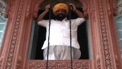 Το μεγαλύτερο μουστάκι στον κόσμο: Φτάνει τα 6,5 μέτρα! (ΒΙΝΤΕΟ)