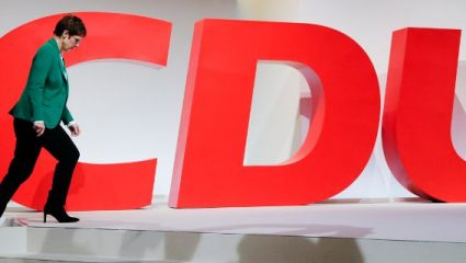 Δυνάμωσε δημοσκοπικά το CDU η αποχώρηση Μέρκελ
