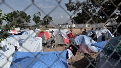 «Χάθηκε» η μπάλα με το προσφυγικό