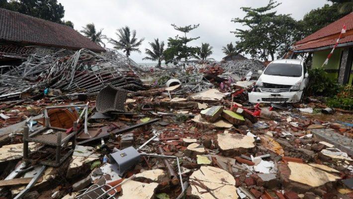 Βιβλική καταστροφή στην Ινδονησία: Περισσότεροι από 220 νέκροι - Εκατοντάδες τραυματίες (ΦΩΤΟ, ΒΙΝΤΕΟ)