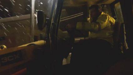 Ο Γκλέτσος βγήκε στους δρόμους με το εκχιονιστικό! (ΒΙΝΤΕΟ)