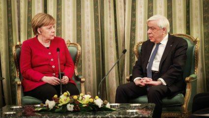 Παυλόπουλος σε Μέρκελ: «Πάγια η θέση μας για γερμανικές αποζημιώσεις»