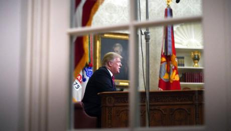 Ο Λευκός Οίκος προετοιμάζεται για να κηρύξει κατάσταση εκτάκτου ανάγκης