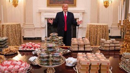 Χωρίς προσωπικό ο Λευκός Οίκος και ο Τραμπ αναγκάστηκε να παραγγείλει από τα Mc Donald's! (ΦΩΤΟ)