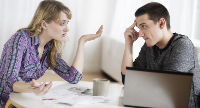 Η εφορία «χώρισε» 2.100 ζευγάρια σε 4 ημέρες
