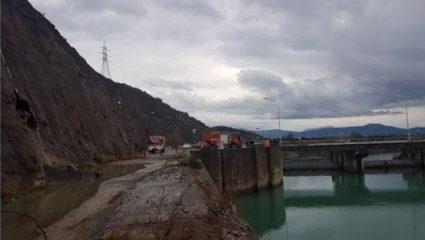 Θρίλερ με την 35χρονη που βρέθηκε νεκρή στον πάτο της λίμνης – Η μαρτυρία «κλειδί» και το αινιγματικό σημείωμα