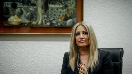 Γεννηματά: «Όποιος λοξοκοιτάζει προς Τσίπρα ή Μητσοτάκη δεν έχει θέση σε μας»