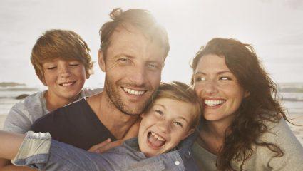 Τι πρέπει να κάνουμε για να μεγαλώσουμε υγιή και ευτυχισμένα παιδιά