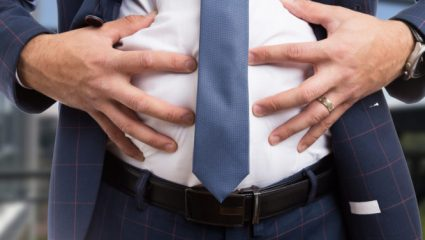 Δεν θα το πιστέψετε: Τρεις απίθανοι λόγοι που προκαλούν φούσκωμα