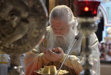 Η... Παναγία απάντησε στον Αμβρόσιο - Δεν παραιτείται ο Μητροπολίτης