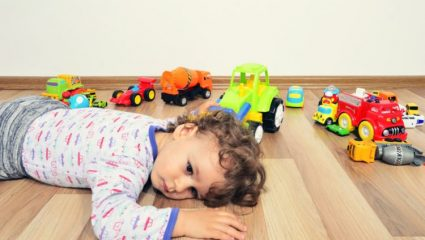 Viral: Το κόλπο μιας μαμάς για να μαζεύουν τα παιδιά τα παιχνίδια τους (ΒΙΝΤΕΟ)