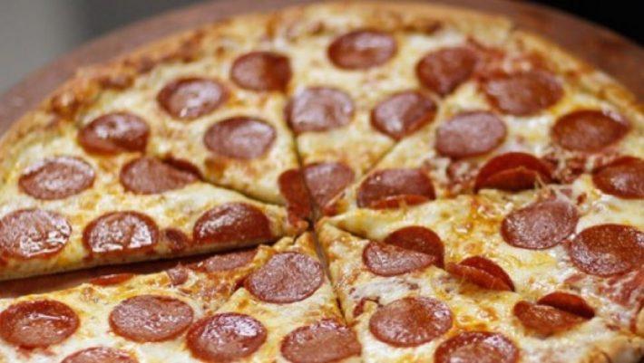 Pizza Hut και KFC ετοιμάζουν την πίτσα της 10ετίας
