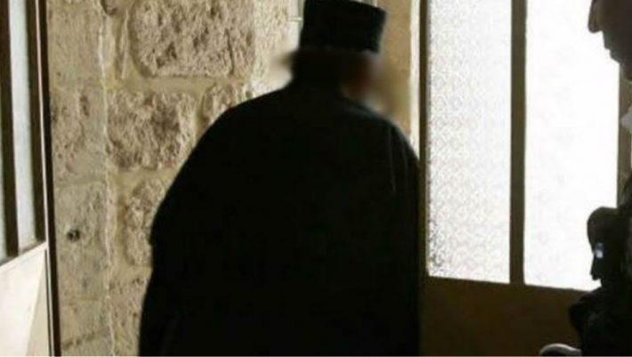 Στο εδώλιο ιερέας για ασέλγεια σε νεαρό με νοητική υστέρηση στη Λαμία