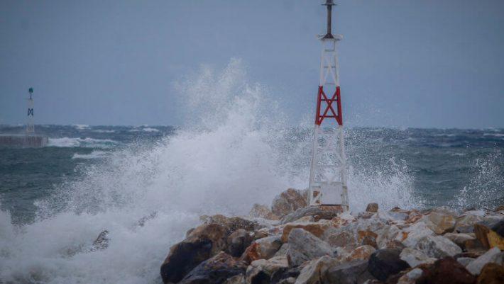 Ανέμους 10 μποφόρ φέρνει η «Χιόνη» και απειλεί με ζημιές