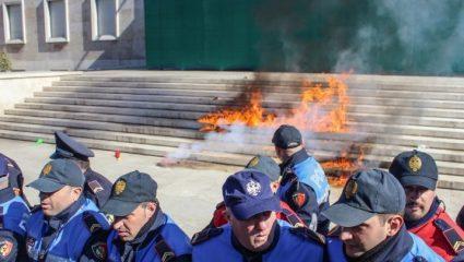 Αλβανία: Σφοδρά επεισόδια κατά του πρωθυπουργού Έντι Ράμα
