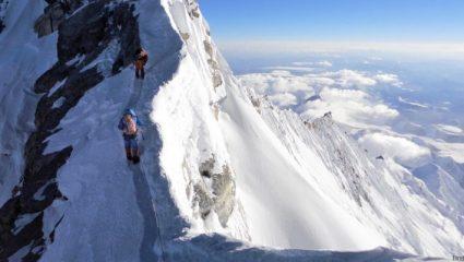 Υπάρχουν βουνά σαν το Έβερεστ κάτω από τη Γη, σύμφωνα με τους επιστήμονες