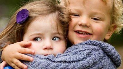 Μεγαλώνοντας γιους VS Μεγαλώνοντας κόρες: Οι πιο σημαντικές διαφορές