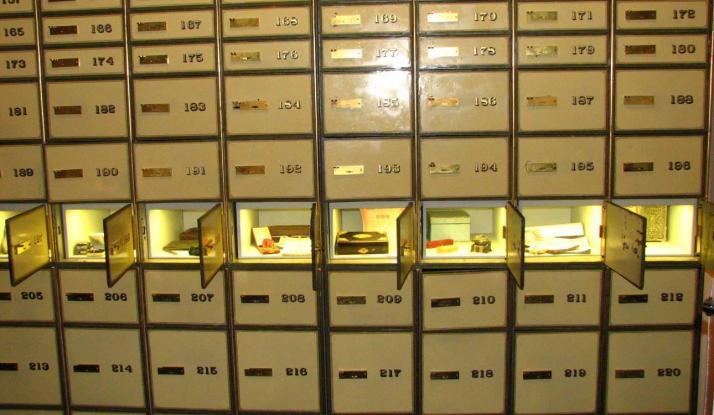 Έλεγχοι της εφορίας σε θυρίδες, κάρτες και δάνεια