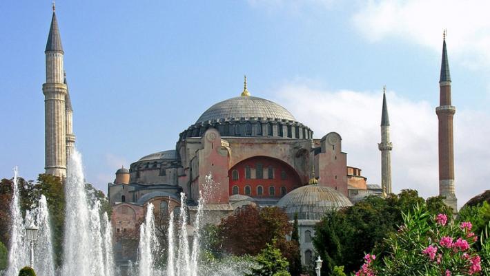 «Άκυρο» από την Unesco στα σχέδια του Ερντογάν για την Αγιά Σοφιά!