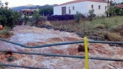 Εγκλωβισμένοι άνθρωποι στην Κρήτη έχουν ανέβει σε ταράτσα για να σωθούν!