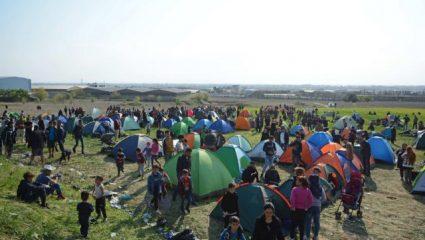 Συνεχίζεται η αποχώρηση των προσφύγων από τα Διαβατά