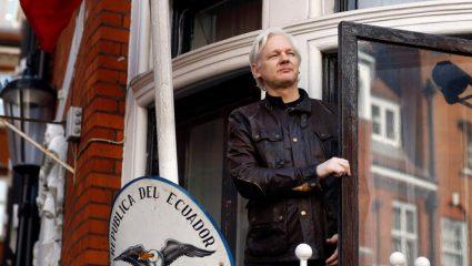 Συνελήφθη ο Τζούλιαν Ασάνζ στο Λονδίνο (BINTEO)