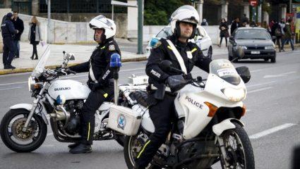 Κινητές «βόμβες» κορωνοϊού: Βάζουν αστυνομικούς θετικούς στον ιό σε υπηρεσία – Πάνω από 500 θετικοί