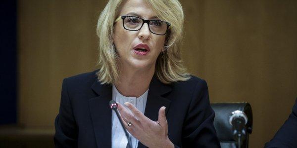 Καταγγελίες Δούρου: Στέλνουν SMS με λογοπαίγνιο για φωτιά