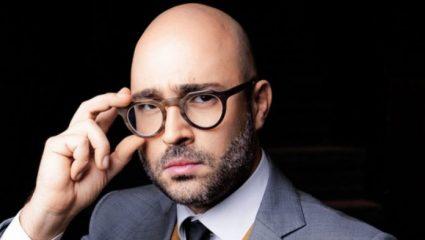 «Γελάν και τα κουδούνια. Ποιο αδίκημα διέπραξε;»: Αυτός είναι ο μοναδικός πολιτικός που στηρίζει δημόσια τον Μπογδάνο